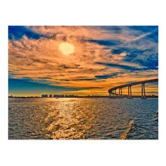 Los E.E.U.U., CA, puente de la bahía de San Tarjetas Postales