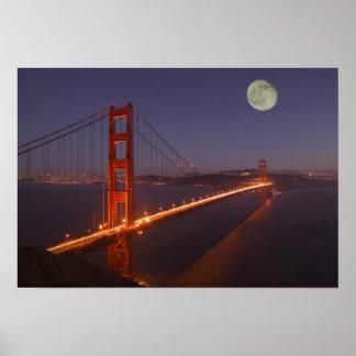 Los E.E.U.U., California, Marin. Salida de la luna Póster
