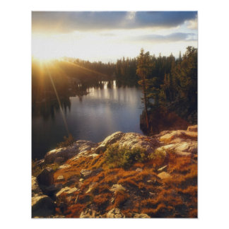 Los E.E.U.U., California, montañas de Sierra Nevad Póster