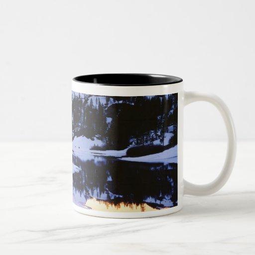 Los E.E.U.U., California, montañas de Sierra Nevad Tazas De Café