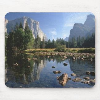 Los E.E.U.U., California, parque nacional de Yosem Alfombrillas De Raton