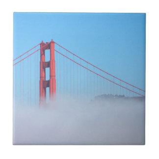 Los E.E.U.U., California. Puente Golden Gate por Azulejo Cuadrado Pequeño