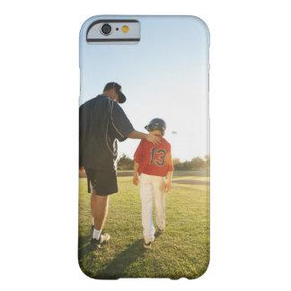 Los E.E.U.U., California, rancho de Ladera, hombre Funda Para iPhone 6 Barely There