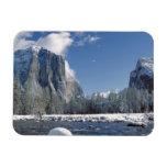 Los E.E.U.U., California, Yosemite NP. El río de M Imán Flexible