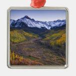Los E.E.U.U., Colorado, montañas rocosas, San Juan Adorno Navideño Cuadrado De Metal