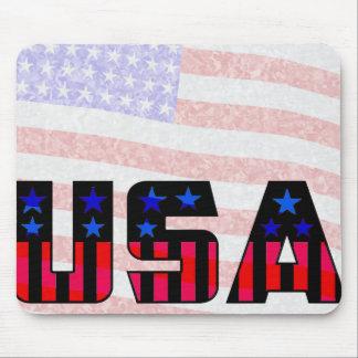 Los E.E.U.U. con la bandera borrosa en fondo Mousepads