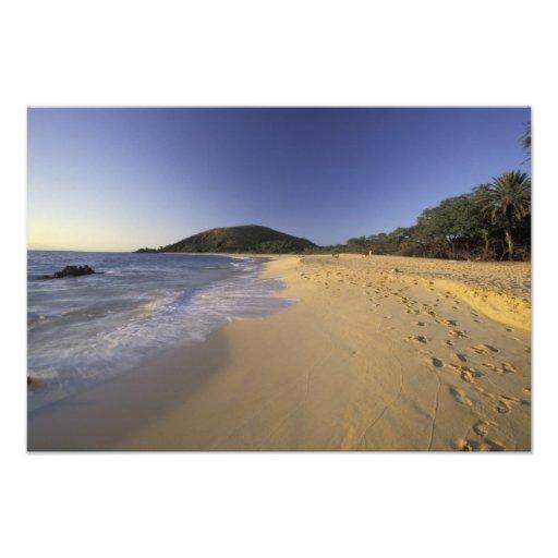 Los E.E.U.U., Hawaii, Maui, huellas en la arena, M Fotografías