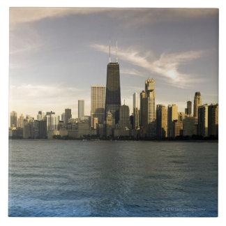 Los E.E.U.U., Illinois, Chicago, horizonte de la c Azulejo Cuadrado Grande