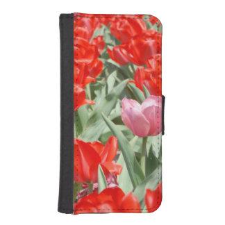 Los E.E.U.U., Kansas, tulipanes rojos con un Funda Tipo Billetera Para iPhone 5