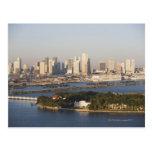 Los E.E.U.U., la Florida, Miami, paisaje urbano co Postales