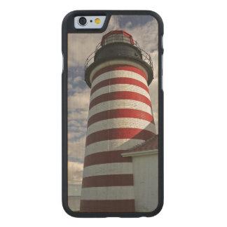 Los E.E.U.U., Maine, Lubec. Faro principal del Funda De iPhone 6 Carved® De Arce