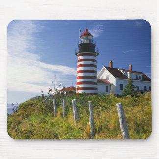 Los E.E.U.U., Maine, Lubec. Faro principal del oes Tapetes De Ratón