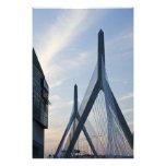 Los E.E.U.U., Massachusetts, Boston. El puente de  Cojinete