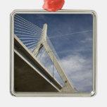 Los E.E.U.U., Massachusetts, Boston. El puente de  Ornamentos De Reyes Magos