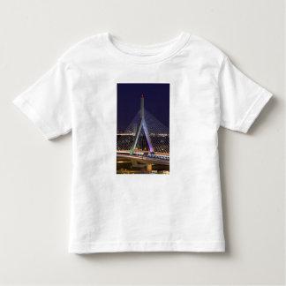 Los E.E.U.U., Massachusetts, Boston. Leonard Zakim Camisas