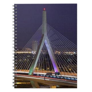 Los E.E.U.U., Massachusetts, Boston. Leonard Zakim Spiral Notebooks