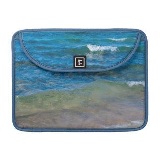Los E.E.U.U., Michigan. Aguas claras del lago Funda Macbook Pro