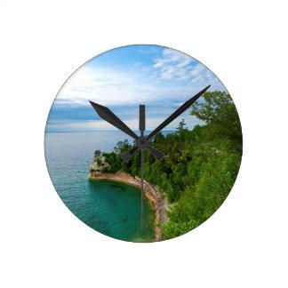 Los E.E.U.U., Michigan. Formación 3 de Castle Rock Reloj Redondo Mediano