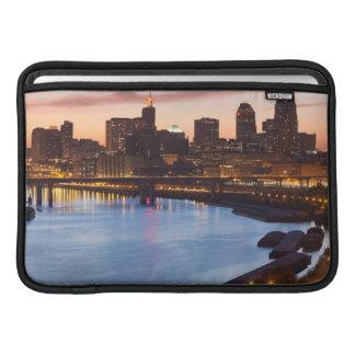 Los E.E.U.U., Minnesota, Minneapolis, San Pablo 2 Fundas MacBook