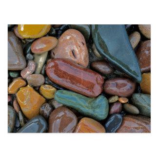 Los E.E.U.U., Montana, el río Clark Fork, piedras Postal