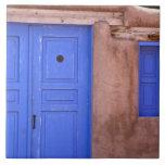 Los E.E.U.U., New México, Santa Fe. Vista de la pu Azulejos