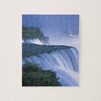 Los E.E.U.U., Nueva York, Niagara Falls. El americ Rompecabezas Con Fotos