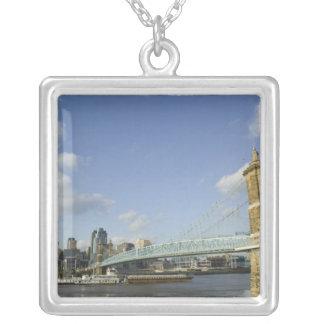 Los E.E.U.U., Ohio, Cincinnati: Suspensión 2 de Ro Collar Personalizado