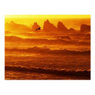 Los E.E.U.U., Oregon, Bandon. Puesta del sol sobre Tarjetas Postales
