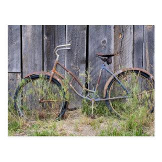 Los E.E.U.U., Oregon, curva. Una bici vieja Tarjetas Postales