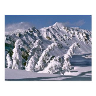 Los E.E.U.U., Oregon, lago NP crater. Arco de los Tarjeta Postal