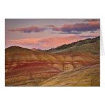 Los E.E.U.U., Oregon, Mitchell, colinas pintadas d Tarjeton