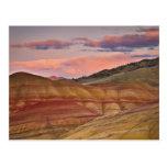 Los E.E.U.U., Oregon, Mitchell, colinas pintadas d Postal
