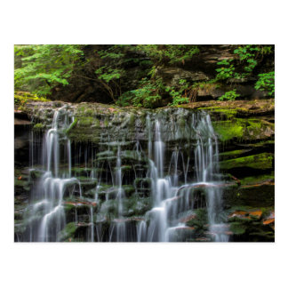 Los E.E.U.U., Pennsylvania, Benton. Cascada en Postales
