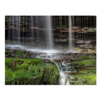 Los E.E.U.U., Pennsylvania, Benton. Cascada Tarjetas Postales