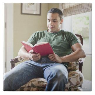Los E.E.U.U., Utah, libro de lectura del hombre jo Azulejo Cuadrado Grande