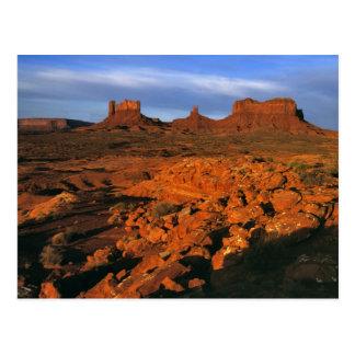 Los E.E.U.U., Utah, valle del monumento. Luz de la Postal