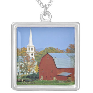 Los E.E.U.U., Vermont, Peacham. Un granero y un Colgante Cuadrado