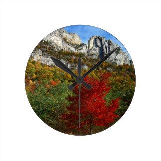 Los E.E.U.U., Virginia Occidental, rocas Spruce Relojes De Pared