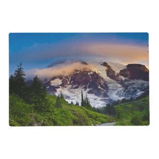 Los E.E.U.U., Washington, el Monte Rainier. Sol de Salvamanteles