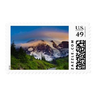 Los E.E.U.U., Washington, el Monte Rainier. Sol de Sello