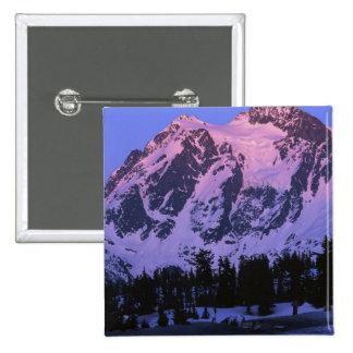 Los E.E.U.U., Washington, Mt. Shuskan en las casca Pins