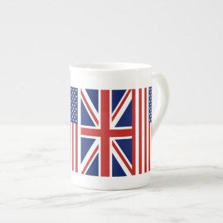 Los E.E.U.U. y banderas BRITÁNICAS Taza De Porcelana