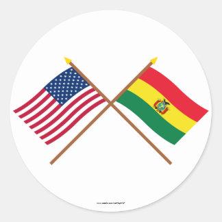 Los E.E.U.U. y banderas cruzadas Bolivia Pegatina Redonda