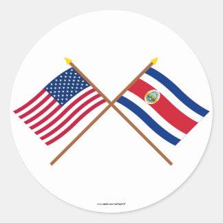 Los E.E.U.U. y banderas cruzadas Costa Rica Pegatina Redonda