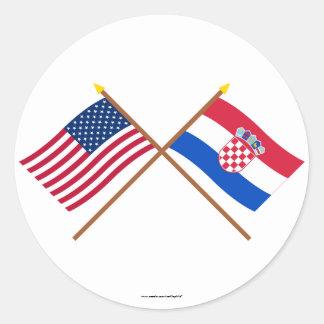 Los E.E.U.U. y banderas cruzadas Croacia Pegatina Redonda
