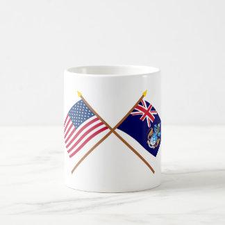 Los E.E.U.U. y banderas cruzadas Cunha de Tristan  Taza Básica Blanca
