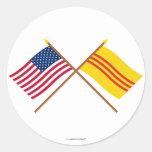 Los E.E.U.U. y banderas cruzadas del sur de Pegatina Redonda