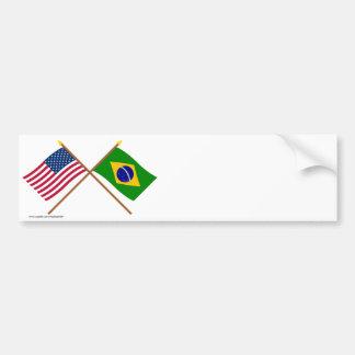 Los E E U U y banderas cruzadas el Brasil Etiqueta De Parachoque