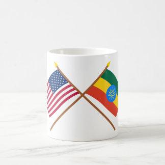 Los E.E.U.U. y banderas cruzadas Etiopía Taza Clásica