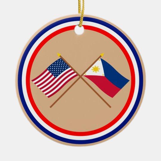 Los E.E.U.U. y banderas cruzadas Filipinas Adorno Navideño Redondo De Cerámica